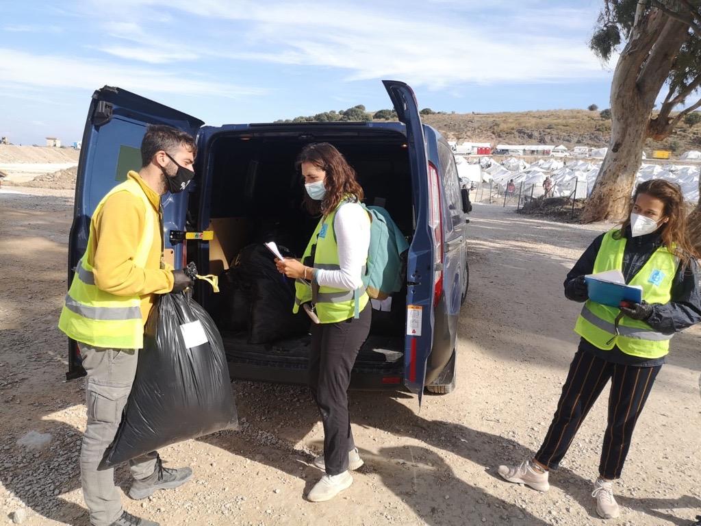 Feltarbeidere utenfor Kara Tepe